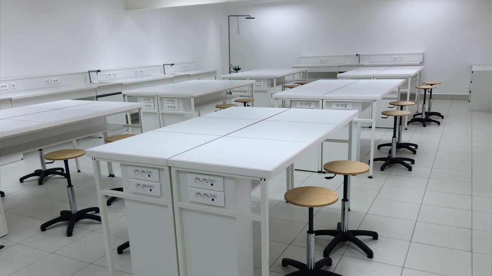 Aménagement de salles de sciences au Lycée Français Alexandre Yersin de HanoÏ - Vietnam